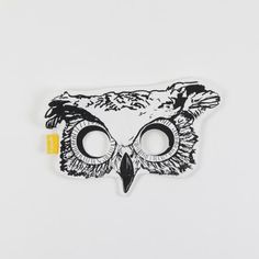 The cutest little owl mask from Toronto-based brand Fidoodle. Features a cotton canvas mask and a elastic strap on the back. Perfect for Halloween, or any time of the year!
