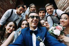 Dicas para ser um bom padrinho de casamento Couple Picture Poses, Professional Gifts, Silhouette Portrait, Bridesmaids And Groomsmen, Wedding Story, Wedding Things, Friend Pictures, Groomsman Gifts, Wedding Designs