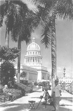 Fotografo ambulante, Parque de la Fraternidad. 1950s.