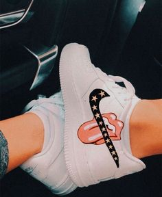Cute Nike Shoes, Cute Nikes, Nike Custom Shoes, Custom Painted Shoes, Moda Sneakers, Shoes Sneakers, Kd Shoes, Kicks Shoes, Adidas Shoes