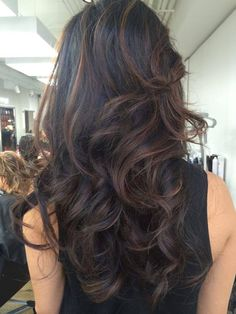 Our Wayland/Acton stylist, Gregory Wilde created this beautiful look at the Wella World Hair Studio in NYC yesterday. Gregory used a revolutionary hair painting technique to create rich, multi-dimensional high and low-lighting in under an hour!   Moodz always stays on top of the latest international coloring and styling techniques to bring your hair to the next level... Call to book your appointment today.