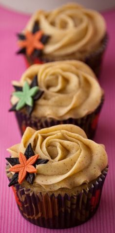 APPLE & CINNAMON CUPCAKES