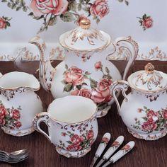 Mulher aos cinquenta: Maravilhosos jogo de chá