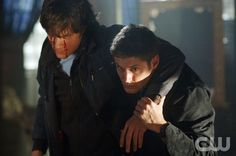 """SUPERNATURAL """"Bloody Mary"""" (Episode #105) Image #SN105-0747 Pictured (l-r):  Jared Padalecki as Sam Winchester, Jensen Ackles as Dean Winchester Credit: ©ÊThe WB/Sergei Bachlakov"""