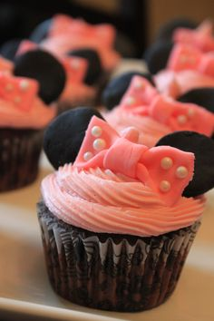 Minnie Mouse Cupcake - Minnie Mouse themed birthday