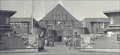 De ingang van de staatsmijn Maurits rond 1945
