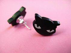Black Cat Studs  @tizzalicious  #tizzaliciouspinandwin