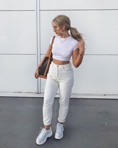 Simple ✨ - ad (links in story) Summer Fashion Outfits, Cute Summer Outfits, Trendy Outfits, Cute Outfits, Amy, White Jeans Outfit, Coats For Women, Clothes For Women, Corporate Fashion