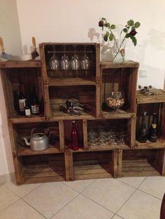 Caisse a pomme Wood Crates, Pallets, Liquor Cabinet, Modern Furniture, Cave, Diy, Storage, Gardens, Desks