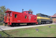 Seaboard Air Line Geep and caboose