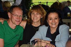 Master in chess composition) und Wiesia, Café Bazar in Salzburg (Juni Salzburg, Chess, Learn English, Composition, Portraits, Artist, Gingham, Learning English, Head Shots