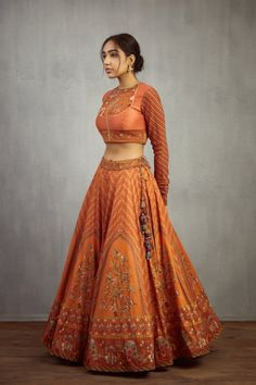 Looking For A New Mid Budget Bridal Label? Try Torani - Have a budget of around INR for an Indian wear outfit? Then you have to check out Torani collection. Fresh designs, lots of gorgeous colours and Designer Bridal Lehenga, Bridal Lehenga Choli, Wedding Lehnga, Wedding Dresses, Lehenga Choli Online, Wedding Hijab, Bouquet Wedding, Wedding Nails, Boho Wedding