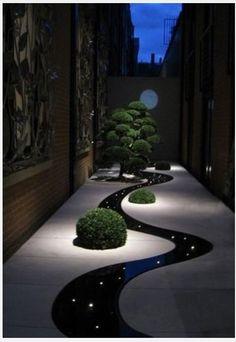 #yard landscaping #design #garden(Via: Night Yard Landscaping with Outdoor Lights, 25 Beautiful Lighting Ideas )ちょっとした路地裏にこんな風景が広がってたら、きっと路地裏は汚くならないと思う(^^)。遊歩道にはスタボンをどうぞ。(^^)