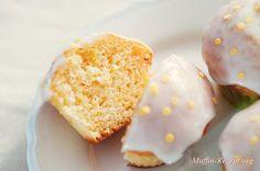 Zitronenmuffins - Muffin Rezept. Super saftig und lecker! Habe Buttermilch statt Milch genommen.