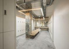 DAS Studio converts Parisian factory into indoor cycling studio Gym Interior, Interior Design, Tanzstudio Design, Centro Fitness, Dance Studio Design, Parque Industrial, Gym Lockers, Indoor Cycling, Changing Room