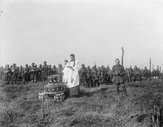 The chaplains of the English Presbyterian and Dutch Churches conducting the South African Brigade's Memorial Service at Delville Wood, 17 February Battle Of The Somme, War Image, Military Personnel, World War One, Military History, Vintage Photographs, Troops, Wwii, The Past