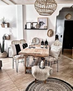 Korbstühle - New Ideas Interior Design Living Room, Living Room Designs, Living Room Decor, Kitchen Interior, Ethnic Living Room, Interior Modern, Farmhouse Kitchen Tables, Modern Farmhouse Kitchens, Farmhouse Decor