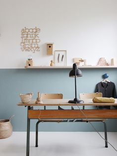 Charming Vintage Desk Spaces http://petitandsmall.com/charming-vintage-desk-spaces/
