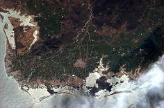 Farming in the river delta, Topolobampo, Mexico. Visto desde la Estación Espacial Internacional y fotografiado por el astronauta Chris Hadfield.