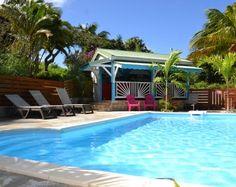 Pour des vacances réussies, n'hésitez plus, réservez votre séjour chez Piton Bungalows en Guadeloupe à Deshaies, vous découvrirez nos bungalows de charme, en pleine nature.....Bienvenue à Piton Bungalows ! Matthieu et Valérie vous accueillent dans leur...