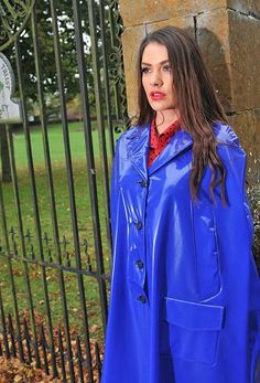 Large range of womens high fashion, designer and everyday rainwear. British manufactured high quality trenchcoats, capes, jackets overtrousers and a full range of festival clothing. Vinyl Raincoat, Raincoat Outfit, Plastic Raincoat, Yellow Raincoat, Hooded Raincoat, Rain Slicker Womens, Capes, Parka, Long Leather Coat
