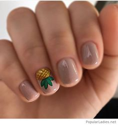 short-nude-nails-with-a-nice-and-funny-print