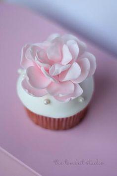 Wow prettiest cupcake ever | Cupcakes | Pinterest | Cupcake