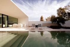 Jesolo Lido Pool Villa / JM #Architecture