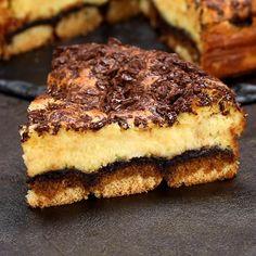 Tiramisu cake - Tiramisu is a classic of Italian cuisine, but have you ever tried to bake it? Tiramisu cake is an a - Banana Bread Recipes, Cake Recipes, Snack Recipes, Dessert Recipes, Apple Recipes, Easy Baking Recipes, Cooking Recipes, German Torte Recipe, Strawberry Torte Recipe