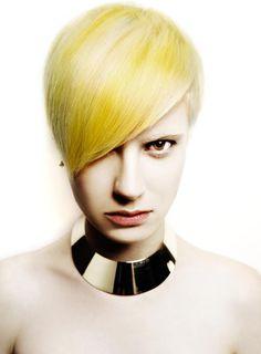 www.estetica.it | Hair: Nina Krajco @ Bomton Studio Make up: Adriana Bartošová Styling: Milena Zhuravlova Photo: John Rawson