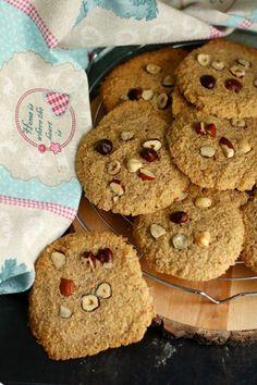 Ropogós mogyorós kekszek - Pink Cékla Blog Cookies, Desserts, Blog, Pink, Crack Crackers, Tailgate Desserts, Deserts, Biscuits, Postres