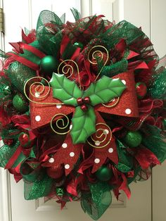 Red and green Christmas deco mesh wreath by Twentycoats Wreath Creations (2015)