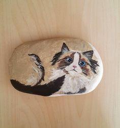 KADRİYE Stone Painting, Rock Painting, Zen Art, Cat Lover, Painted Stones, Stone Art, Rock Art, Dog Cat, Arts And Crafts