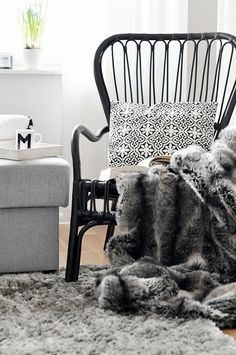 Black and white with shades of gray, lots of cozy textures. ❋