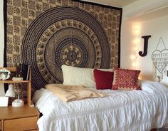 College Dorm Room Tapestry - Best Interior Paint Colors Check more at http://www.mtbasics.com/college-dorm-room-tapestry/