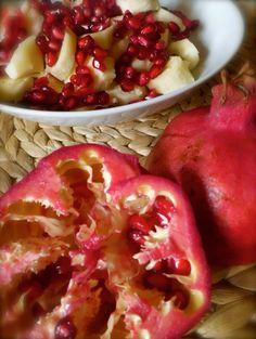 Merenda di Melagrana - Abruzzo  //   Pomegranate snack, from Abruzzo