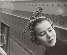 French model Sylvie Hirsch wearing hat by Paulette, photo by Louise Dahl-Wolfe, Paris, 1950 Old Photography, Fashion Photography, Women's Museum, Exposition Photo, Cecil Beaton, French Models, Paris Hotels, Female Photographers, Dahl