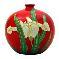 Kyoto/Awaji Satsuma Chromium Red Bud Vase