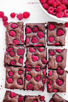 Moje Wypieki | Migdałowe brownie z malinami