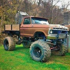 Check this out! I totally prefer this color choice for this lifted 1979 Ford Truck, Ford Pickup Trucks, 4x4 Trucks, Diesel Trucks, Cool Trucks, Chevy Trucks, Cool Cars, Ford 4x4, Truck Flatbeds