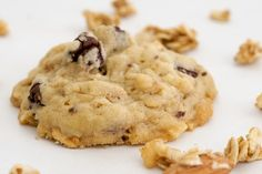 Granola Cookies with Chocolate and Roasted Almonds | Bake or Break