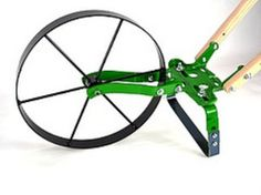 USA Self-Sufficient Sustainable Living Hand Push Wheel Hoe Garden Cultivator has the most optional equipment. It is light enough for the ladies to handle yet, strong and sturdy enough for any job. Seed Planter, Garden Cultivator, Wood Chop, Digging Tools, Best Garden Tools, English Garden Design, Metal Drum, Vintage Gardening, Classic Garden