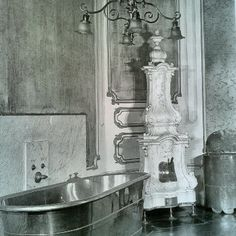 Sisi's bathroom in de Hofburg in Vienna. Here she began every day with a cold bath at about five or six in the morning. She also favoured baths of warm olive oil, to keep her skin soft.