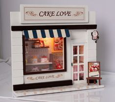wooden dollhouse miniatures cake patisserie shop por barvazon10                                                                                                                                                                                 Más