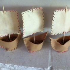 My version of the Pottery Barn pilgrim boats. A fun activity for the kids! I will use them to decorate the thanksgiving table.