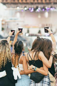 Brande deine Getränkebecher ganz so wie du es möchtest. Ideal für Events, Parties, Konzerte, Festivals, ... Daniel Wellington, Festivals, Events, Fashion, Mug Printing, Cold Drinks, Concerts, Products, Moda