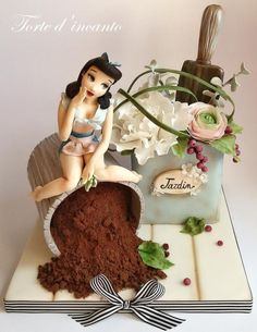 Pin up in the garden - Cake by Torte d'incanto - CakesDecor Crazy Cakes, Fancy Cakes, Gorgeous Cakes, Pretty Cakes, Amazing Cakes, Cupcakes, Cupcake Cakes, Bolo Fashionista, Festa Pin Up