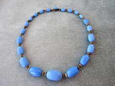 15 1/2 vintage blauwe glazen kralen ketting / gemarkeerd