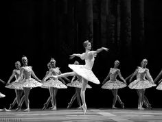And even though you're ancient by dancer standards now, you still fantasize about being a ballerina someday. 27 Undeniable Signs You Were A Dance Kid Dance 4, Dance It Out, Dance Class, Dance Moves, Just Dance, Gif Dance, Ballet Gif, Ballet Dancers, Dance Photos