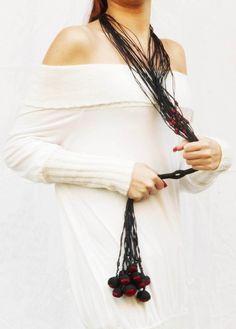 "design M. Francesca Batzella LerènieS - Contemporary Art Jewelry from Paper ""Guindalu"" Preview"